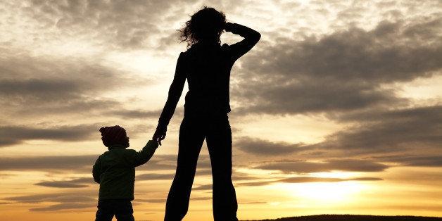 Dezinteresul tatălui și autoritatea părintească exclusivă